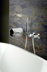 Bonomi Contemporaneo Italiano: Miscelatore a parete per vasca Linea TUBE