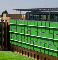 Tende Solaris per la Nuova Sede de IL Sole 24Ore: una vista esterna