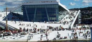 L'Opera house ad Oslo, realizzata dallo studio Snà�hetta