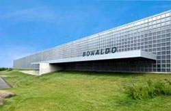 Nuovo showroom Bonaldo con vetromattoni Seves Glassblock