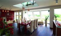 Casa EnergyX di Hartl Haus: Vista di un interno