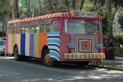 yarn Bombers, autobus decorato