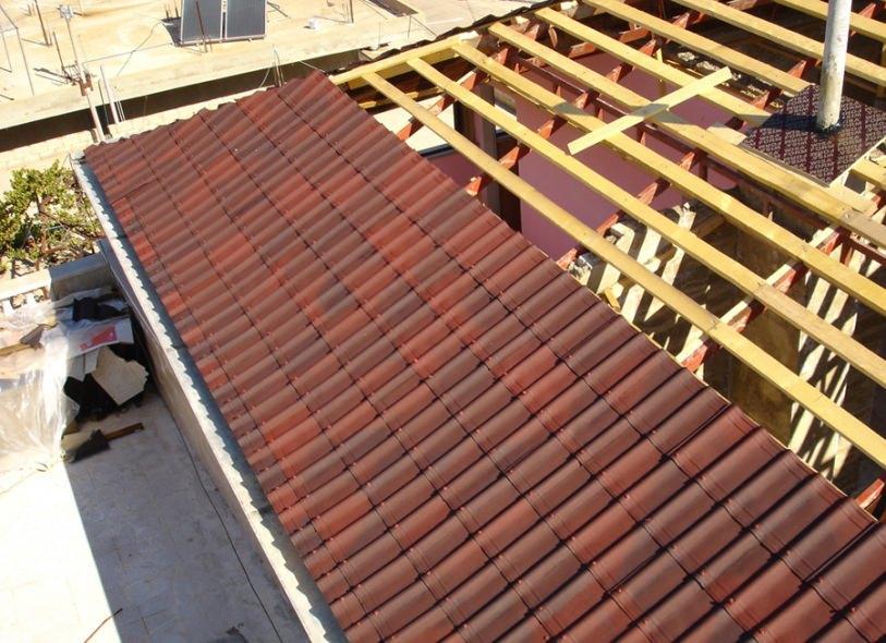 Tegole per tetti tradizionali e moderni for Onduline per tettoie