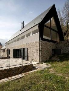 Eduardo Cadaval, casa sui Pirenei 2