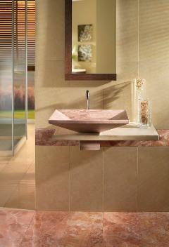 Bagno con arredi in marmo for Riviste arredo bagno