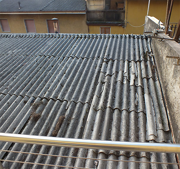 Tetto in eternit sotto il balcone - Lavorincasa forum ...