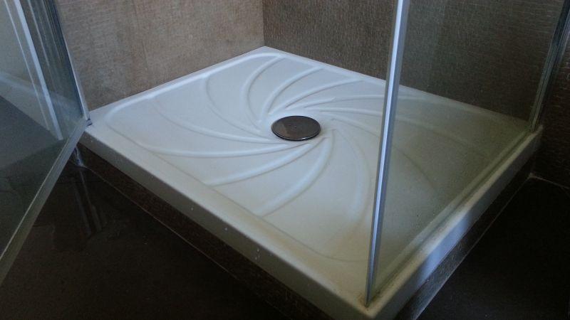 Forum edilizio discussione su problema piatto doccia - Piatto doccia raso pavimento ...