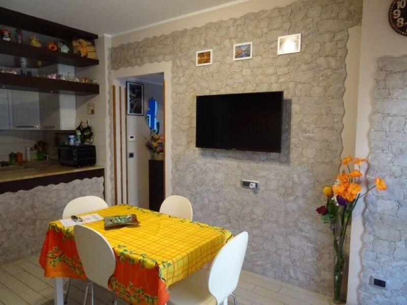 Forum Edilizio: Discussione su Eliminare decorazione simil ...