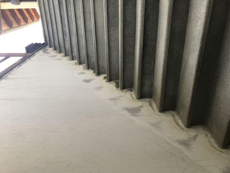 Intonaco su pareti scale esterne casa di montagna - Decorazioni pareti esterne casa ...