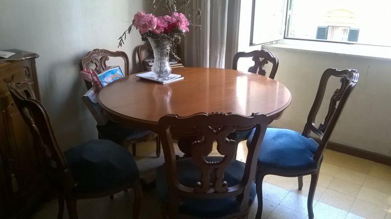 Tavolo rotondo in legno mogano 1