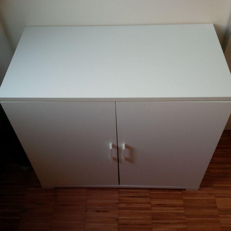 Mobiletto bianco multiuso 2