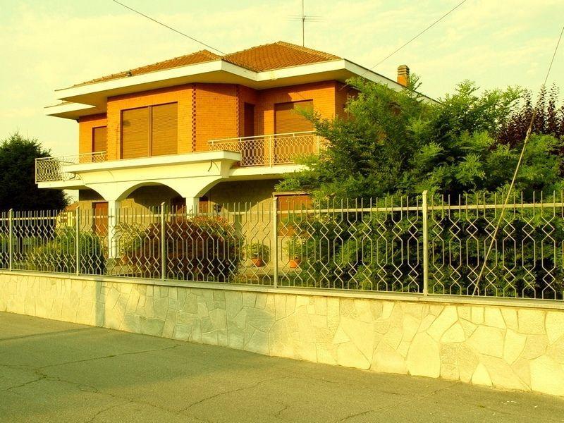 Torino Montanaro - Villa con giardino e terreno vendesi 3