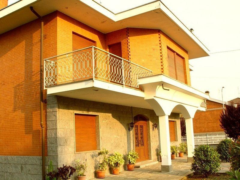 Torino Montanaro - Villa con giardino e terreno vendesi 4