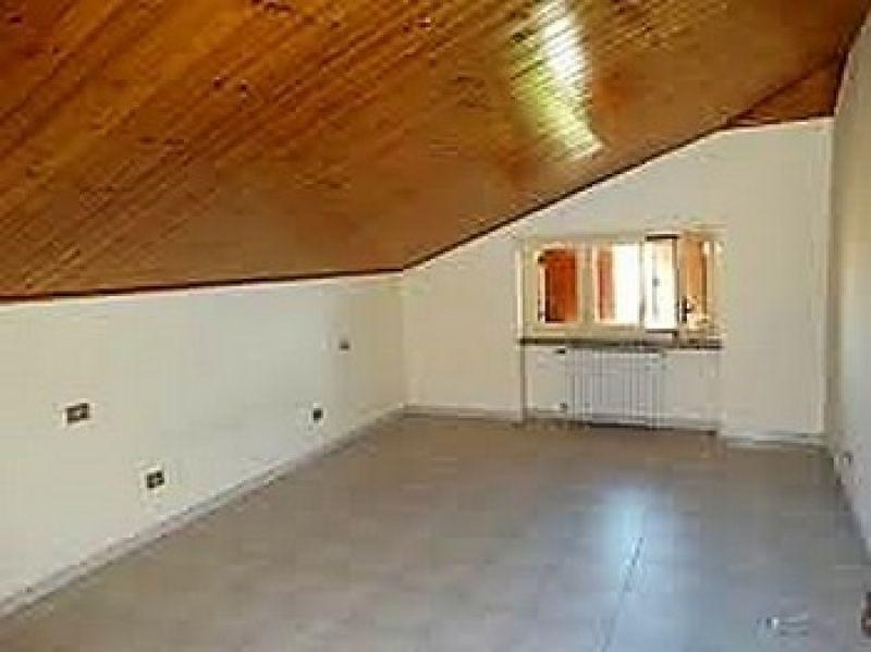 In vendita appartamento  trilocale mansardato Montanaro (To) 5