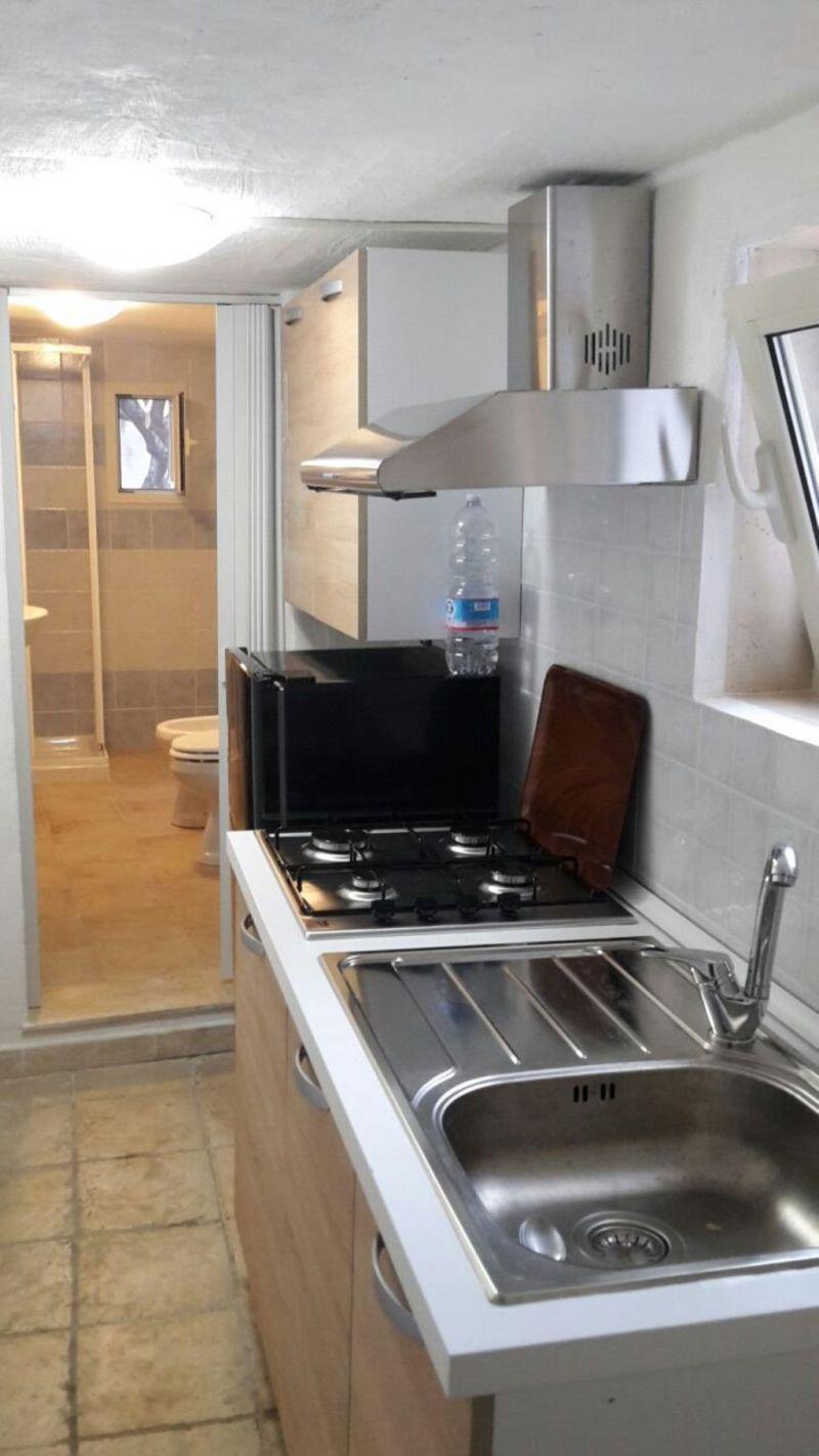 Offro stanze con bagno in elegante residence 2