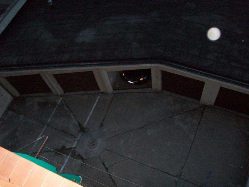 Box auto nel cortile condominiale 1