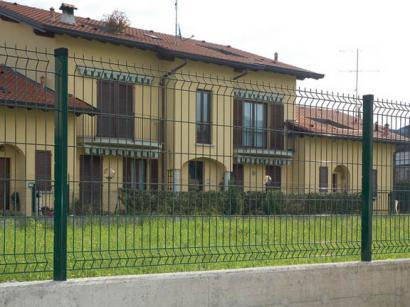 Pannelli zincati per recinzione del giardino for Pannelli recinzione giardino