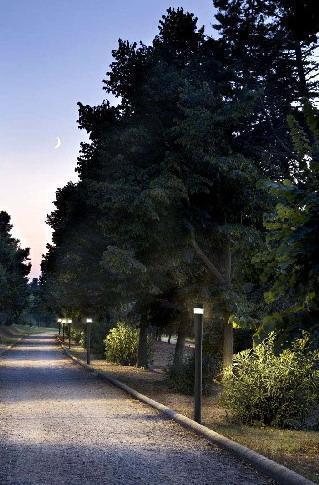 Illuminare il verde: Illuminazione su paletti per viali alberati