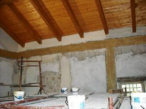 Il recupero di un vecchio mulino da adibirsi ad uso abitativo:la fasciatura delle pareti