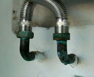 Caldaie a gas sicure:confronto tra tubazioni deteriorate e nuove