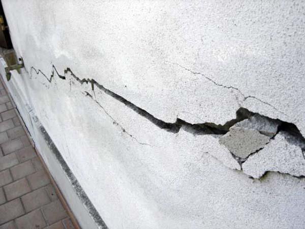 Crepe nei muri dovute a cedimenti nelle fondazioni