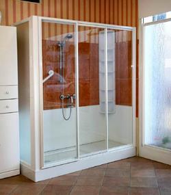 Casa moderna roma italy quanto costa una vasca idromassaggio - Costi vasche da bagno ...