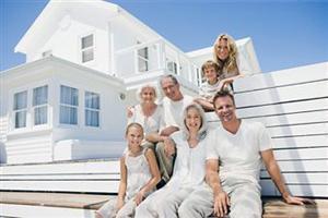 Mercato delle case per vacanze: famiglia in vacanza