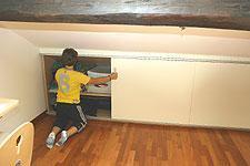 Cameretta in sottotetto for Costo per costruire un armadio in una camera da letto