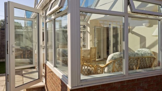 Ampliare gli spazi con le serre solari for Veranda window design