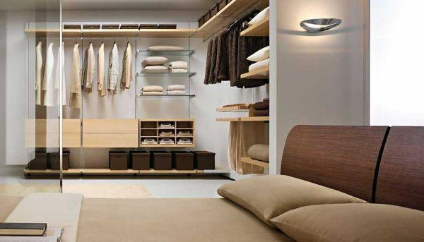 Progettazione di una cabina armadio - Camera da letto con cabina armadio ad angolo ...