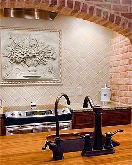 Elettrodomestici nella cucina in muratura