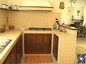 Aspetto finale di una cucina in muratura