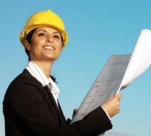 architetto con la pratica edilizia