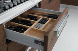 Lube Cucine: portaposate in legno