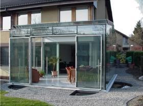 Serra solare_funzionalità delle pareti vetrate