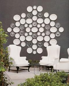 Piatti come decorazione parete_porcellana bianca_designsponge.com