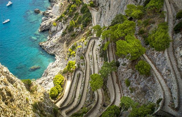 Pietra fotovoltaica in via Krupp a Capri