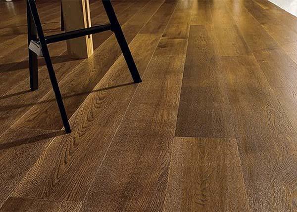 Pavimento in legno si Skema
