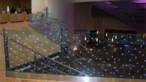 Vetri con LED incorporati