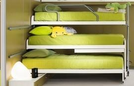 letto a castello 3 posti ikea : Another possibility is offered by the solution with the three beds ...