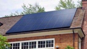 Pannelli solari in nero