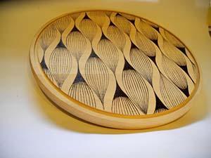 Tagliere di legno decorato con pirografo, di Empirestateofart