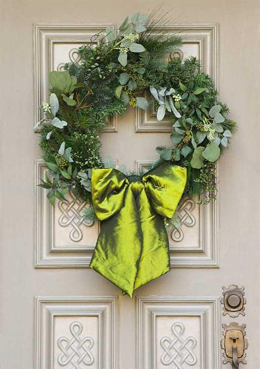 Porta d 39 ingresso natalizia for Decorazioni porta ingresso