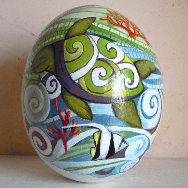uovo di struzzo dipinto