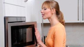 Forni a microonde per un aiuto in cucina