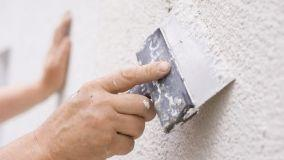 Come riparare un muro rovinato, ritocchi all'intonaco