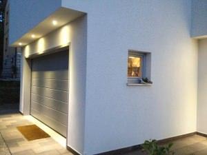 Casa a Scandiano: portone sezionale Hormann
