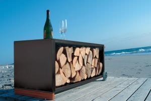 porta-lgna Firewood trolley di Radius Design