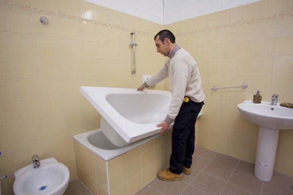 Vasche da bagno rinnovate: vasca nella vasca