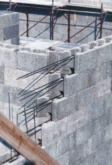 Posa in opera blocchi di legno cemento (Gruppo Legnobloc srl)
